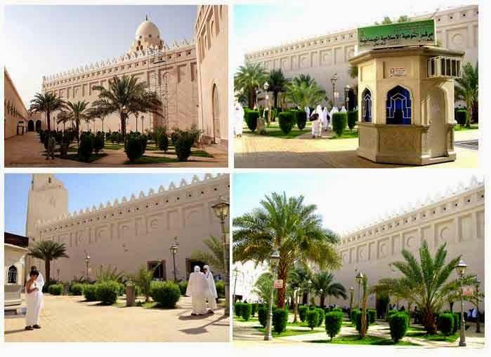Melaksanakan niat umroh di Masjid Birr Ali, tempat mengambil miiqot (niat umroh dan haji) di Dzulhulaifah.