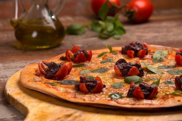 Resultado de imagem para decoração pizza numa cave