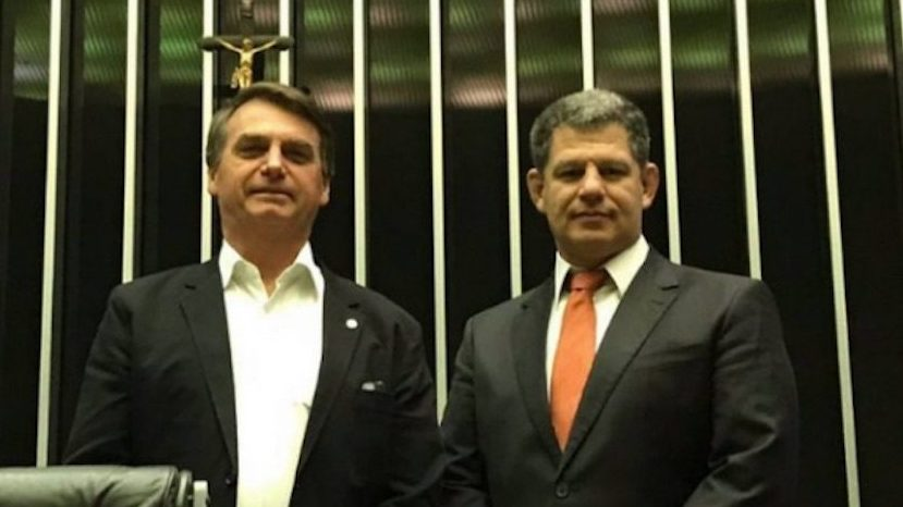 BOLSONARO DECIDE MANTER BEBIANNO COMO MINISTRO