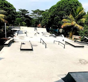 Taman Kreatif Joglo Cianjur, Taman Skateboard dan Seni Pertunjukan