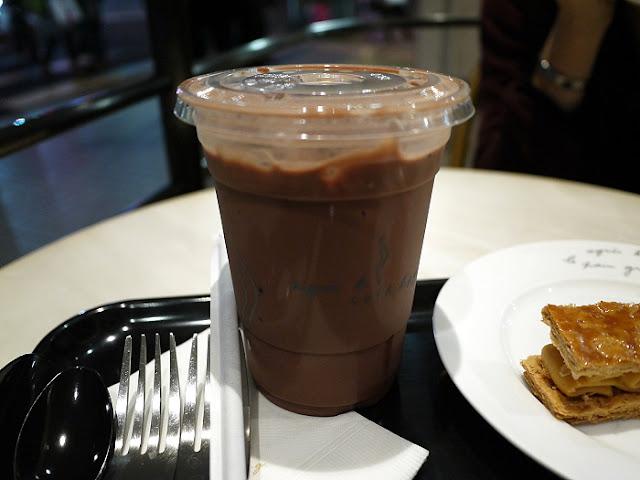 雷克斯是我: agnes b coffee