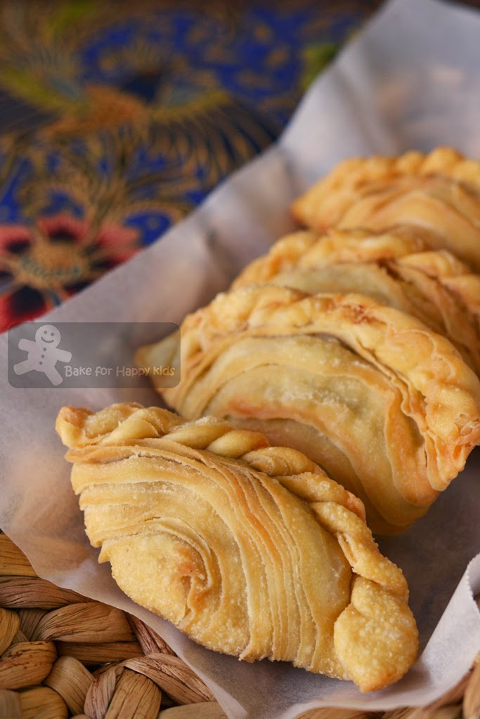 spiral chicken curry puffs epok-epok karipap pusing