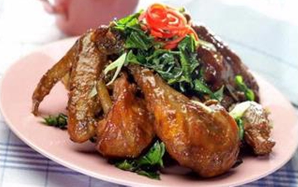 Hasil gambar untuk Ayam Goreng Bumbu Petis