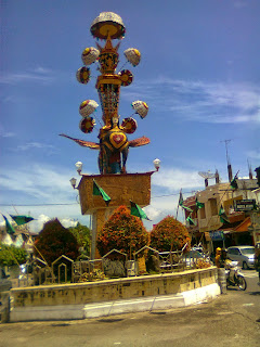 Tugu tabuik di Kota Pariaman Sumatera Barat
