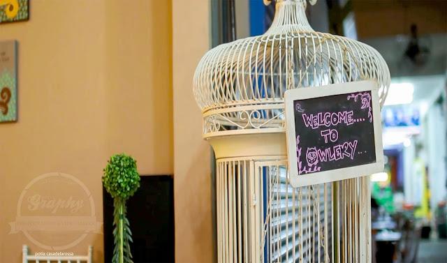 Dekorasi ala English style yang cantik di Owlery Cafe