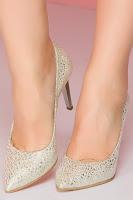 Pantofi Shanon stiletto bej cu aplicatii argintii stralucitoare •
