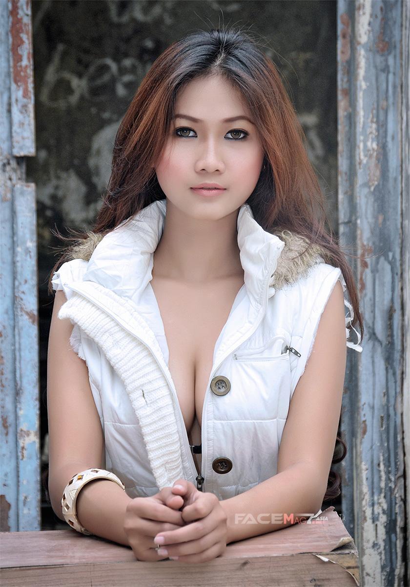 Amalia Anggraini For Facemagz Asia June 308 Andi Soraya Hot Bikini
