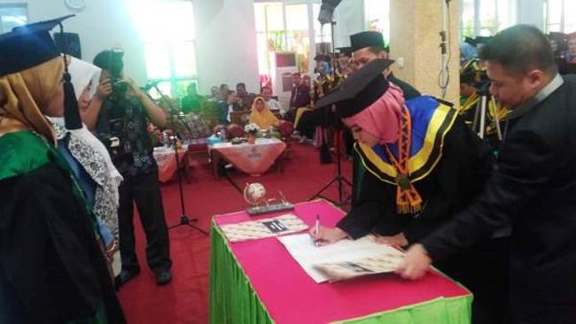 408 Mahasiswa STIKes Muhammadiyah Pringsewu Diwisuda