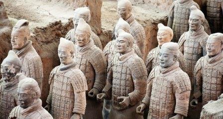 حل لغز الأسلحة البرونزية لجيش الطين الصيني الشهير.؟