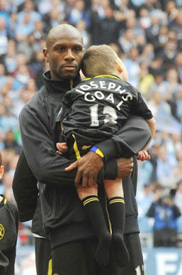 Emmerson Boyce with Joesph Kendrick at the 2013 FA Cup Final
