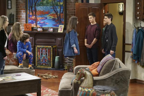 Girl Meets World - Girl Meets Bear - Review
