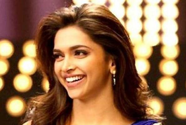 Deepika Padukone - Artis Bollywood Tercantik dan Terpopuler di Dunia