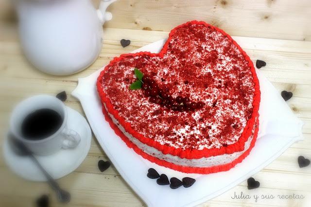 Tarta corazón red velvet. Julia y sus recetas