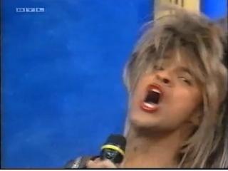 Michael Dierks (Marco Mommsen als Tina Turner)