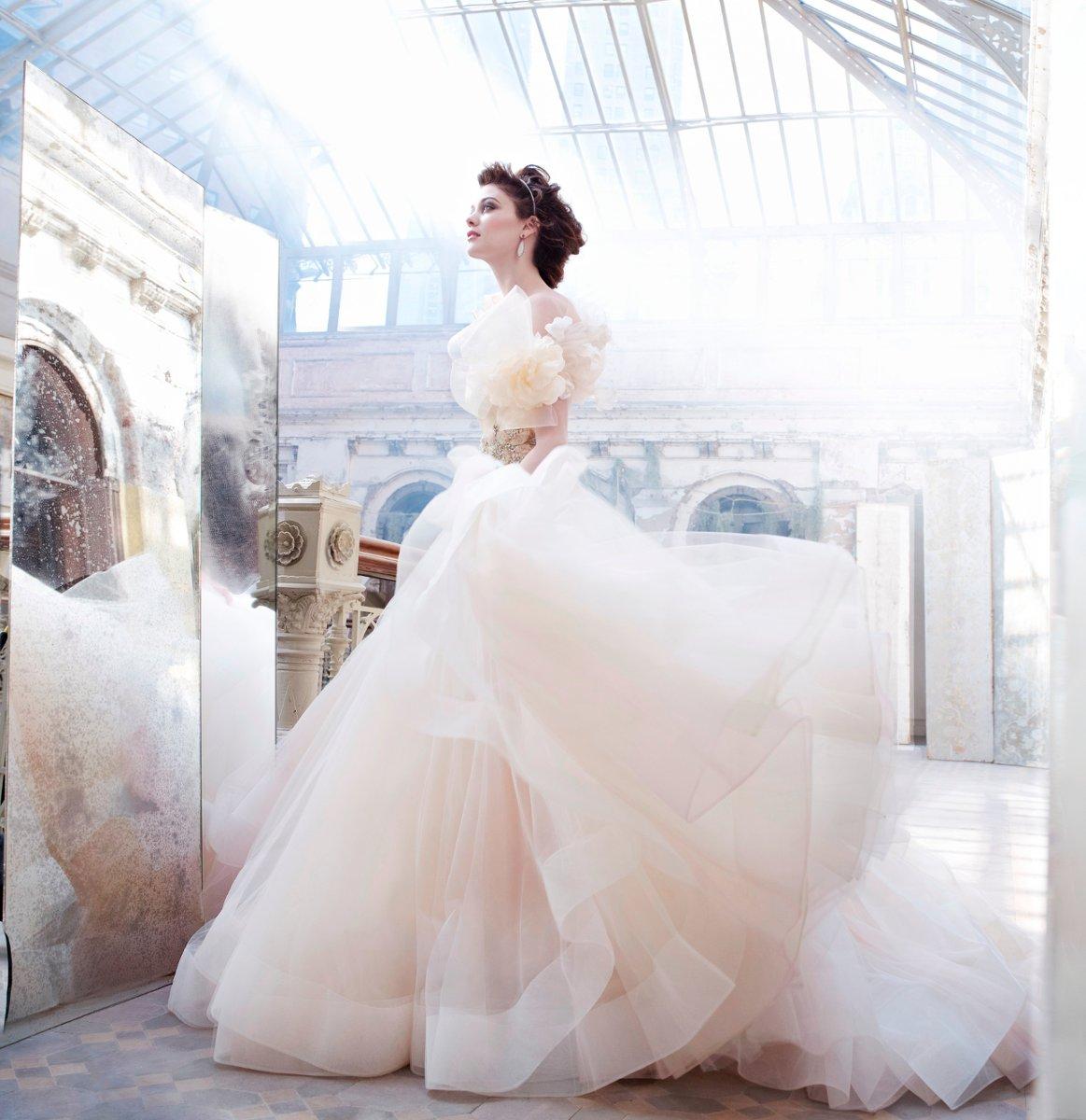 WhiteAzalea Elegant Dresses: Dreamlike Fairy Tale Wedding
