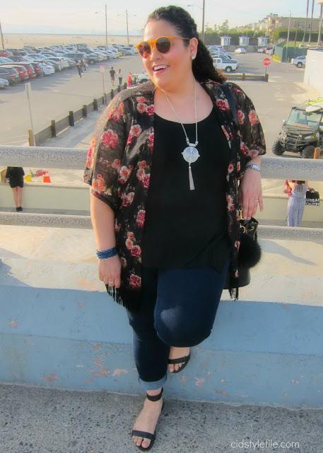 plus size, fashion, wet seal plus, seal beach, valentines day, fashion over 40, kimono, latina blogger, rock star skinny jeans, old navy,