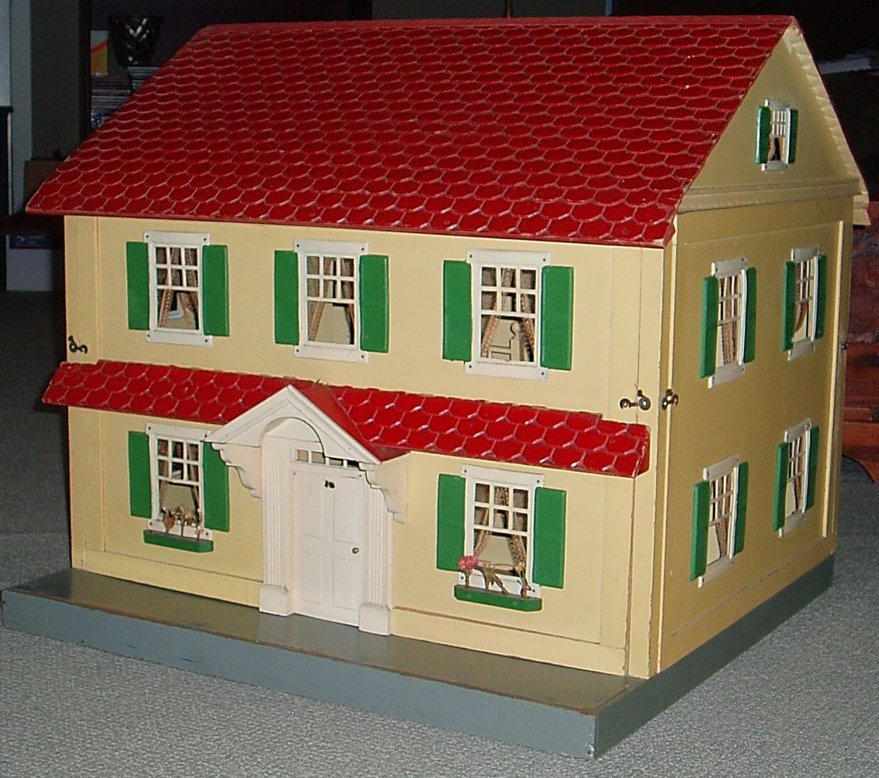 My Vintage Dollhouses More little houses