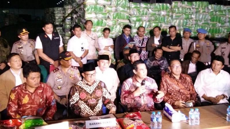Satgas Ketahanan Pangan Mabes Polri gerebek gudang pemalsuan beras PT IBU