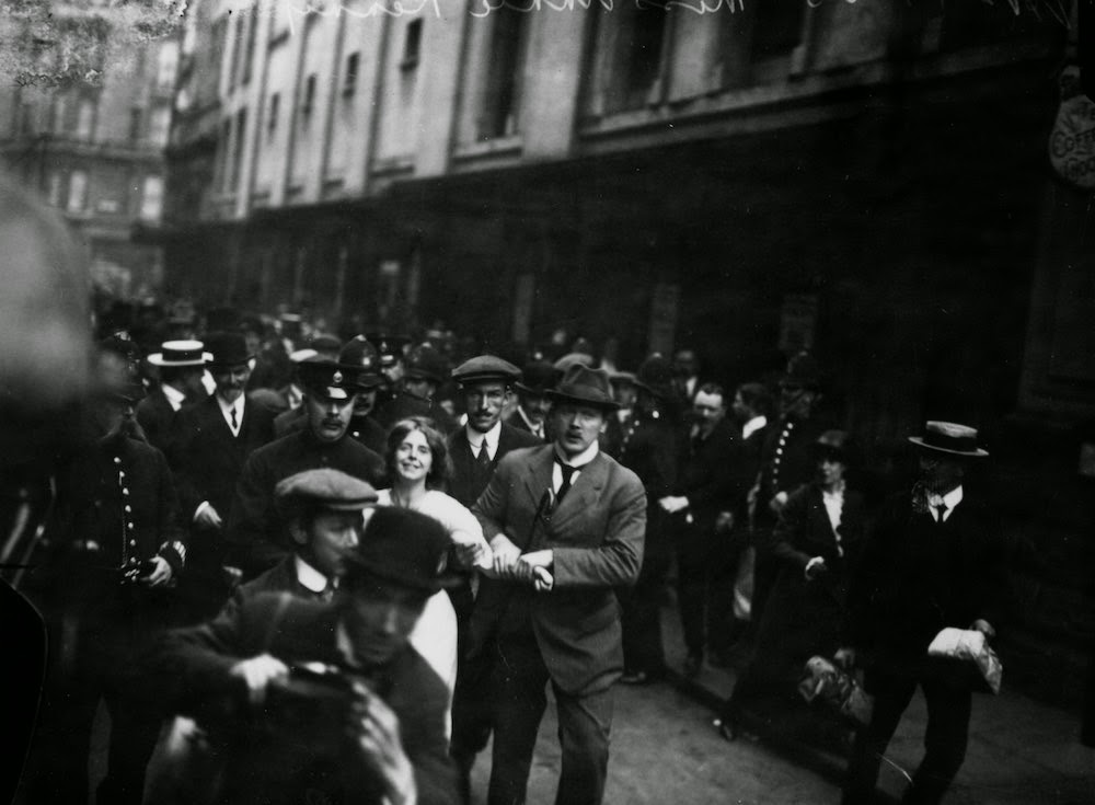Suffragettes vs Police Historical Photos of Womens