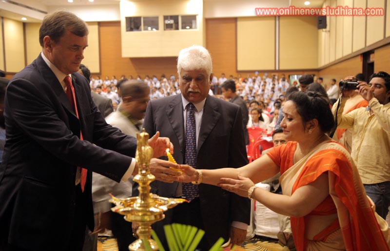 Dominic Asquith, British High Commissioner to India with Rakesh Bharti Mittal, Chairman, Governing Council, Sat Paul Mittal School lighting the lamp to start United Nations Replica 2017' Punjab Edition programme at Sat Paul Mittal School