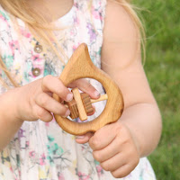 Lotes Toys Wooden Baby Rattle Leaf (BR06)