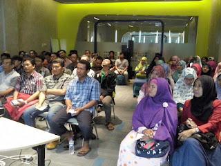 "Seminar Komunikasi ""Lidahmu Rejekimu"" Bersama Komunitas RCC Susu Haji Sehat & Kopi Tajir, 24 September 2016 Hotel Yello Surabaya"