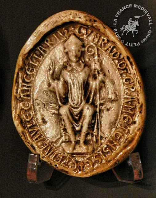Sceau daté de 1213 appartenant à l'évêque Conrad de Scharfenberg (1212-1224)