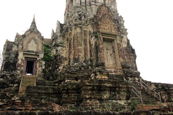 Torres de Wat Ratchaburana - Ayutthaya