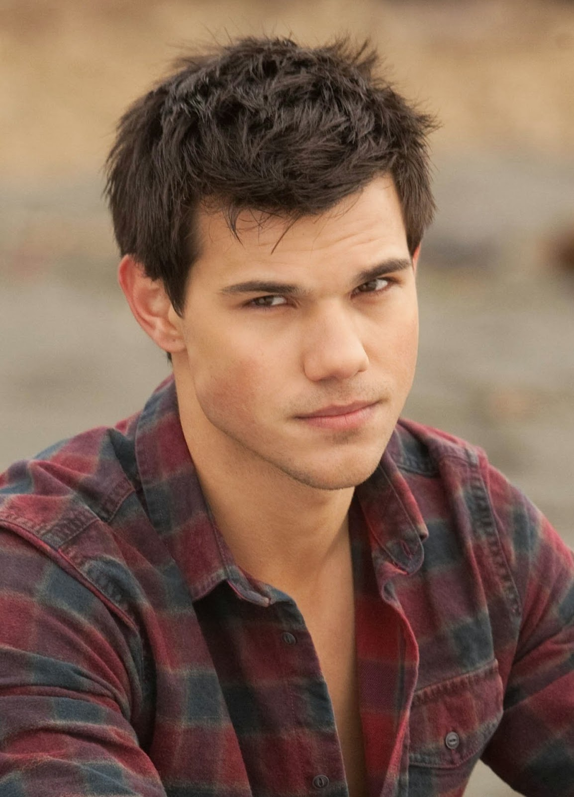 How Old Is Taylor Lautner - Singles And Sex