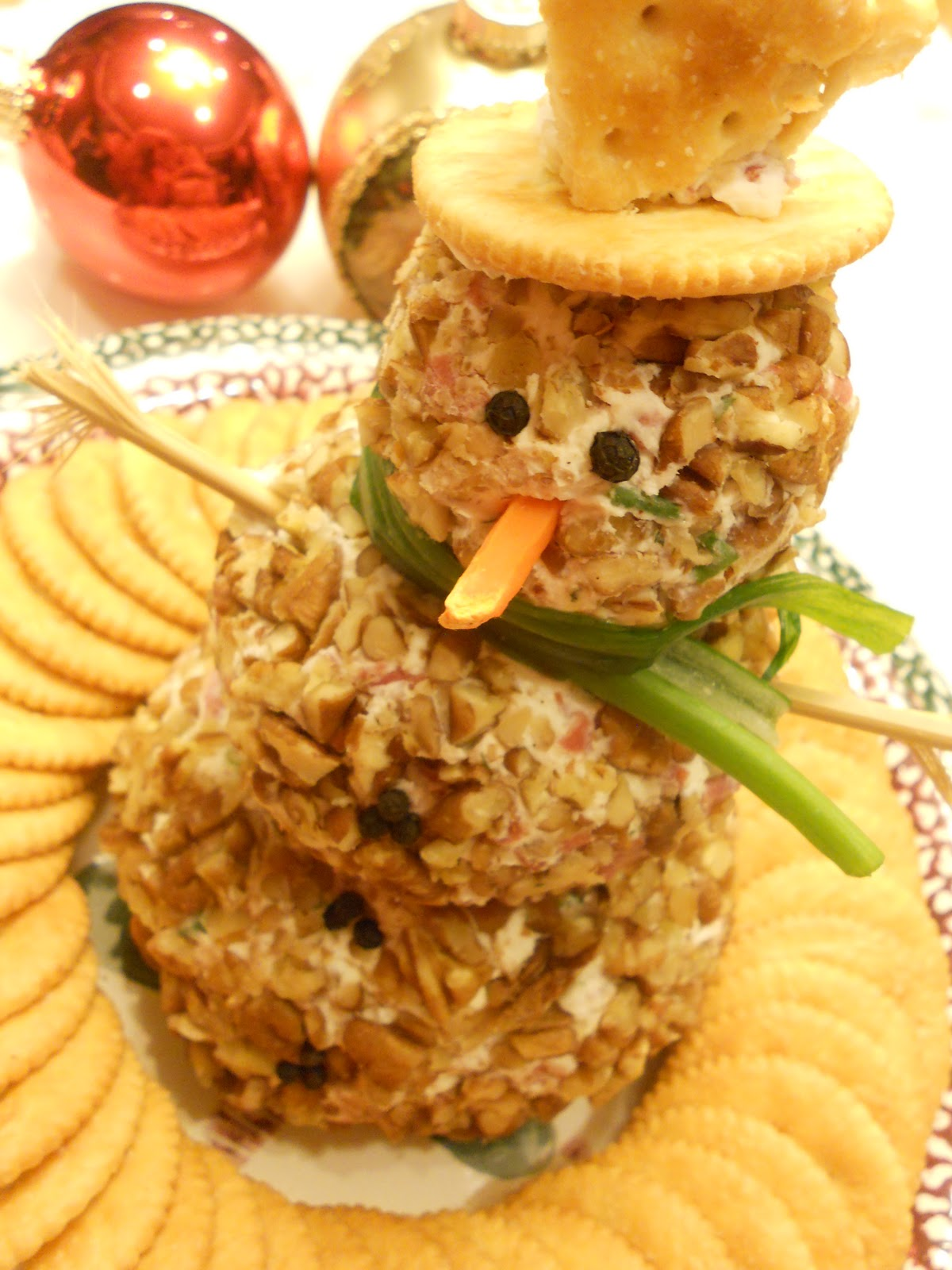 34 Christmas Appetizer Ideas – The WoW Style  Snowman Cheese Ball Appetizer