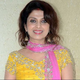 Varsha Usgaonkar Family Husband Son Daughter Father Mother Marriage Photos Biography Profile.