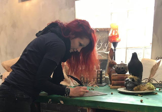 The Craft Of Raven: Ζωή Louper Ευσταθίου 1 Annie Sloan Greece