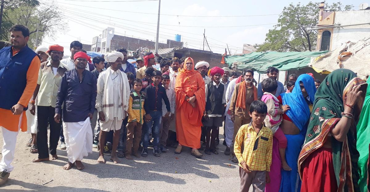 पारा भगवान भोलेनाथ की निकली शोभायात्रा कल होगी स्थापना