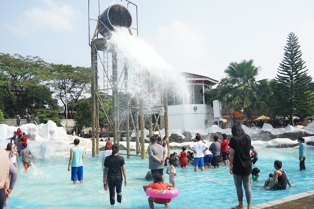 Wahana Air Snowbay Waterpark TMII