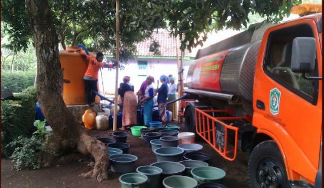 Suplai air bersih oleh BPBD