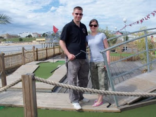Crazy Golf in Essex - Minigolfing on Clacton Pier!