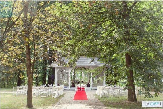 Romantyczny ślub w Planerze, ślub plenerowy, ślub w plenerze, ślub cywilny, organizacja ślubu w plenerze, dekoracje ślubu plenerowego, dekoracje ślubne, blog ślubny, wedding planner Krakow, Winsa blog ślubny