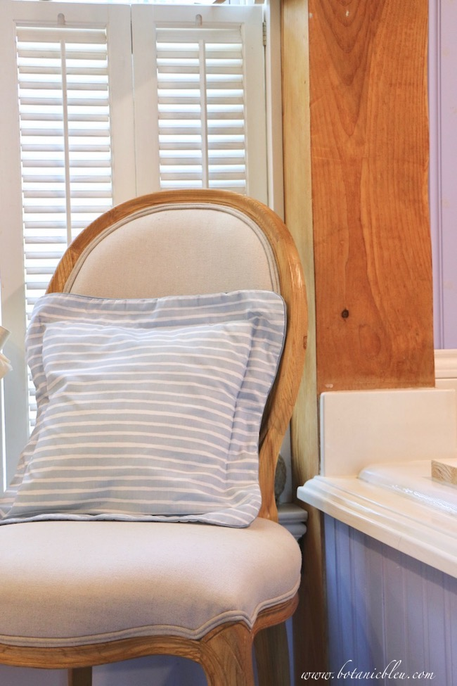French Country chair is simple design with sturdy linen upholstery