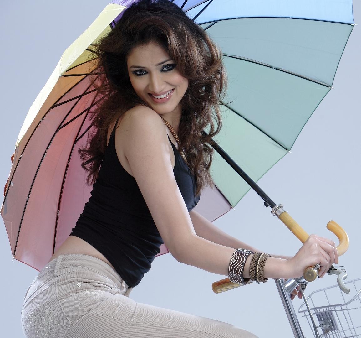 Hot Indian Model Navina Bhatia Hot Photos Bollywood Stars Desi Girlsdesi Boys And Indian Girls Fashion Photos