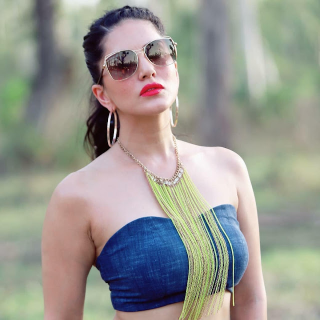 Sunny Leone - Hot Celebrity Photos