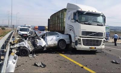 مقتل شخصين واصابة 10 اشخاص في تصادم ملاكي مع نقل