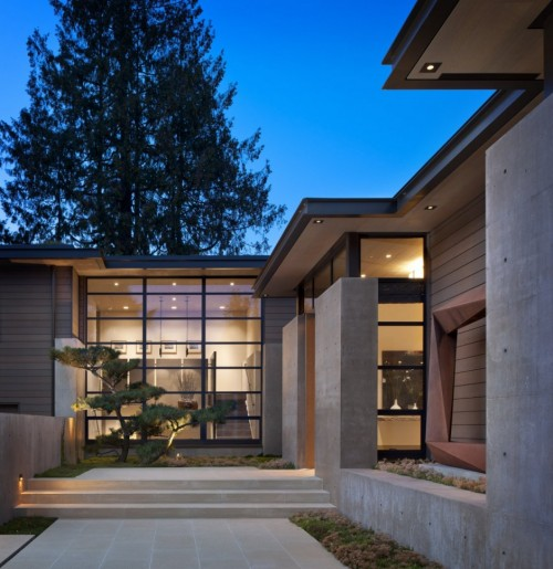 house by Sullivan Conard Architects