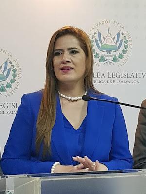 Karina Sosa ha sido Impuesta por Cúpula del FMLN como candidata a la Vicepresidencia