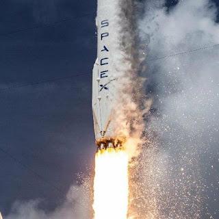 intento de aterrizaje fracasado de  cohete Falcon  9, desde  Space X, en Atlántico