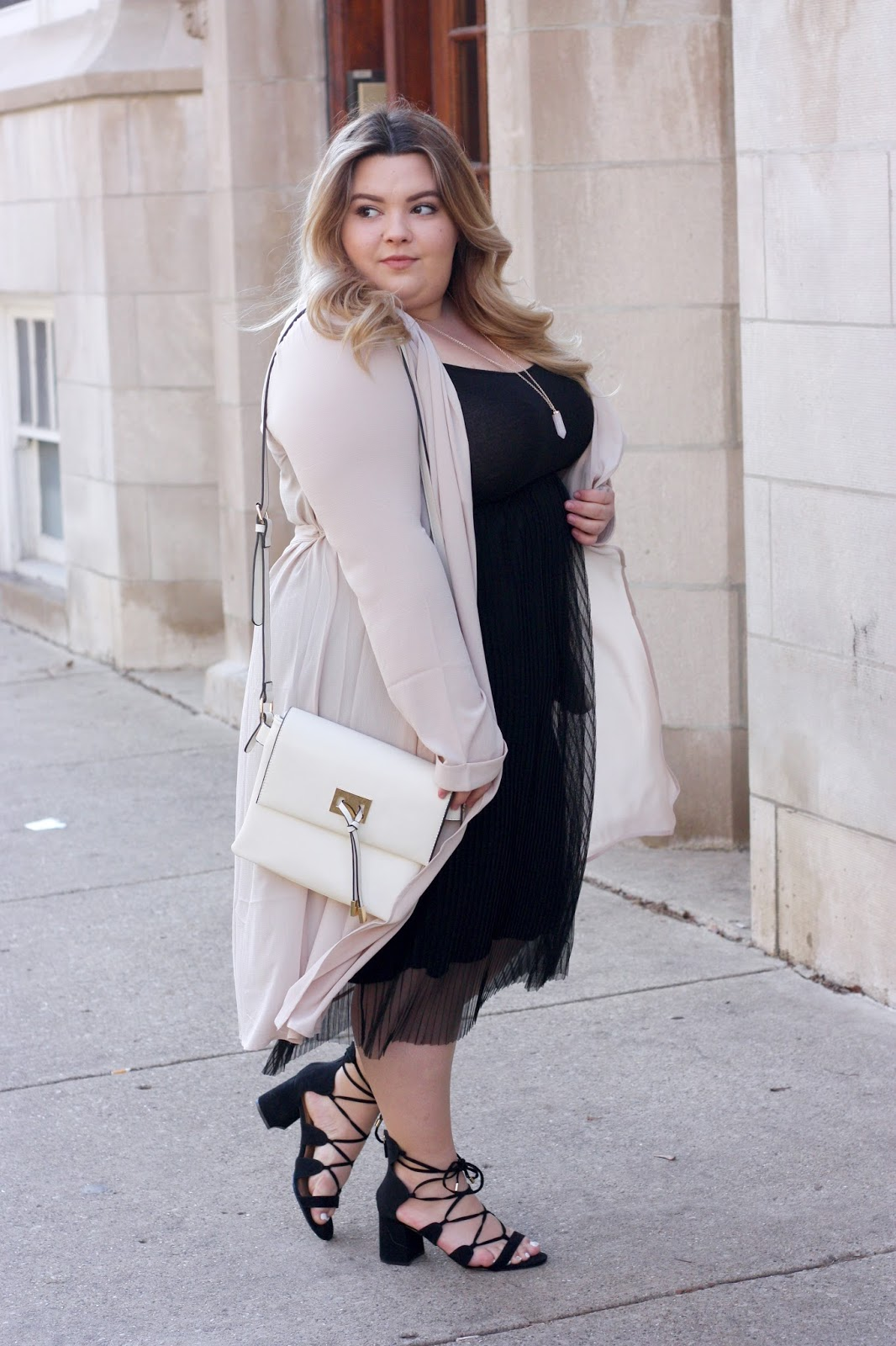 plus size trench coat, plus size duster, natalie craig, natalie in the city, plus size fashion blogger, plus size fashion inspiration, forever 21 plus, pleated tulle dress, chicago blogger, midwest, blush colors, fashion, body positive