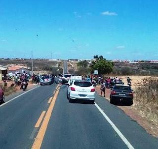 Um morto e dois feridos em acidente na BR-104 entre Cuité e Nova Floresta