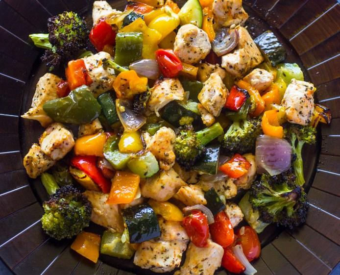 15 MINUTE HEALTHY ROASTED CHICKEN AND VEGGIES #Veggies #Vegetarian