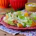 Salada de Fruta com Fiambre e Queijo de Cabra