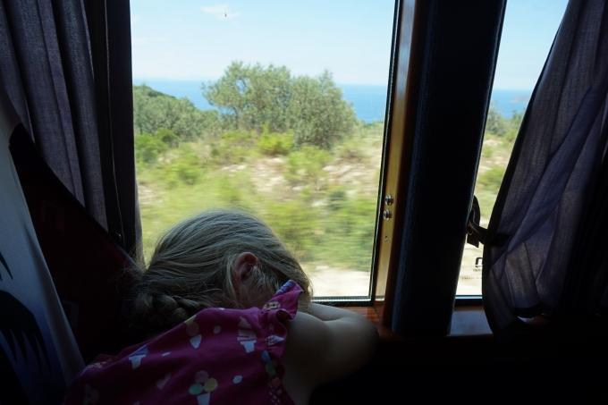 matkapahoinvointia bussilla Albaniassa