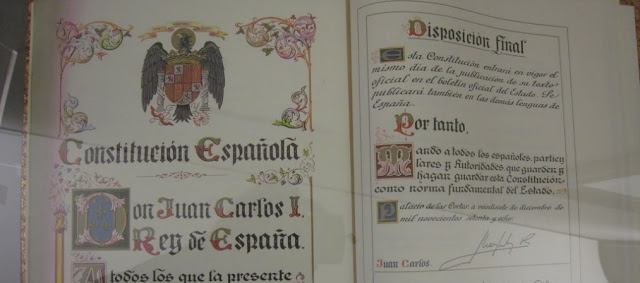 Constitucion española y Constituciones